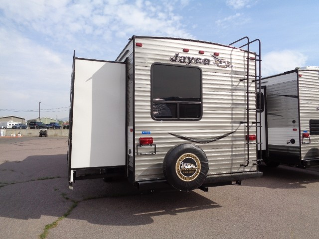 Luxury We Carry A Complete Line Of Jayco Jay Flight Travel Trailers And If You Dont Find The Jayco Jay Flight 24FBS To Be The Ideal Fit, Please Look At The Other Travel Trailers We Carry And You Will Find Something To Meet Your Needs