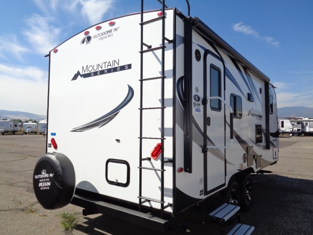 2018 OUTDOORS RV CREEK SIDE 18RBS