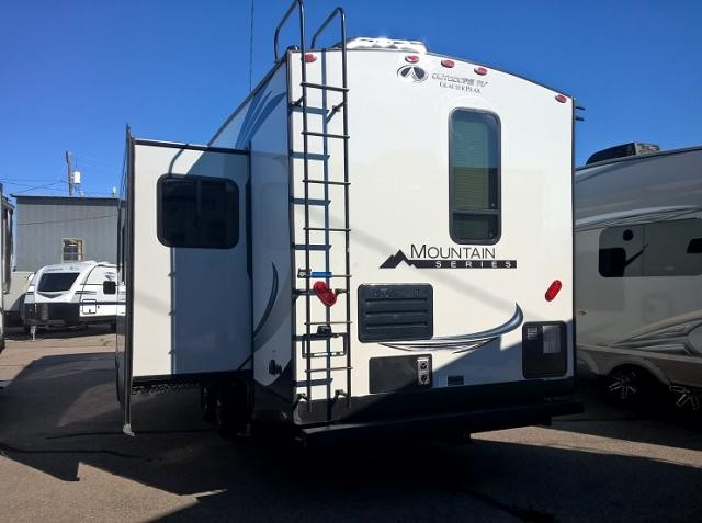 2018 OUTDOORS RV GLACIER PEAK F28RKS
