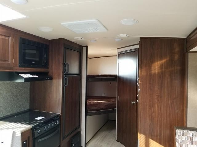 2018 PALOMINO SOLAIRE PAT240BHS-W