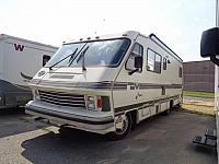 1988 TRAVEL MASTER MOTOR HOME