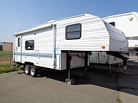1998 FLEETWOOD PROWLER FIFTH WHEEL