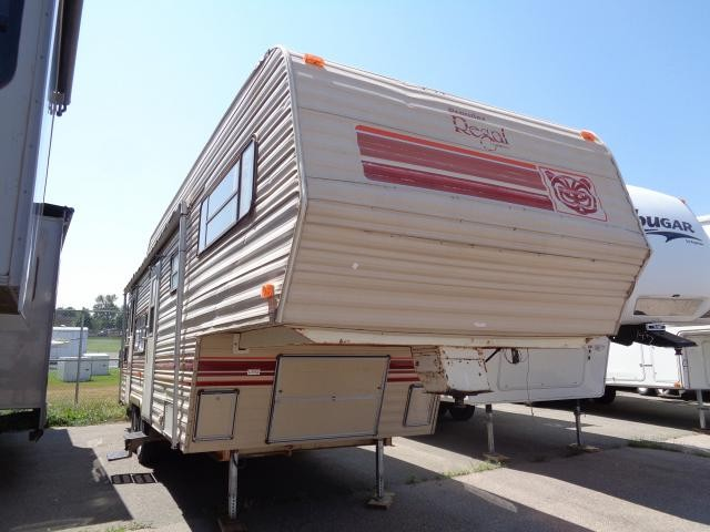 1984 FLEETWOOD PROWLER FIFTH WHEEL