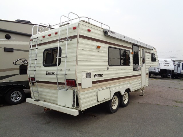 1993 LANCE FIFTH WHEEL