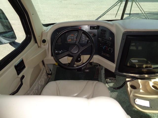 1998 HOLIDAY RAMBLER VACATIONER 32CG