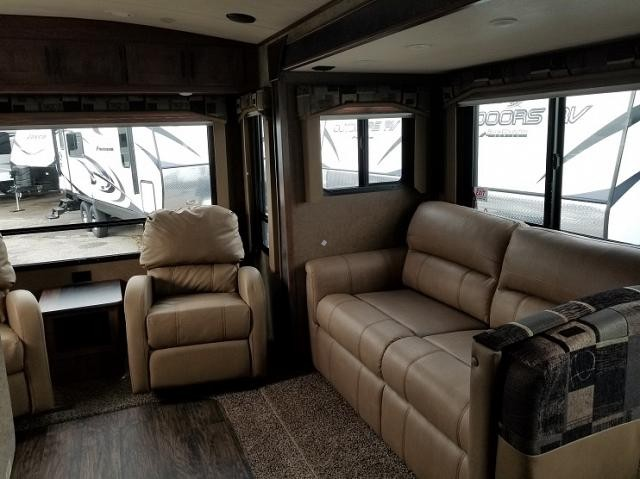 2018 OUTDOORS RV BLACK STONE 260RLS